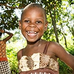 TRAVEL PHOTO - GIRL IN KENYA